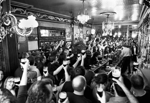 pub-crowd